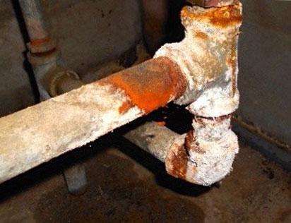 смяна на стари водопроводни тръби